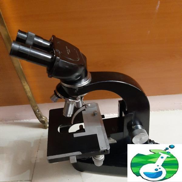 میکروسکوپ ازمایشگاهی