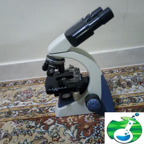 میکروسکوپ آزمایشگاه